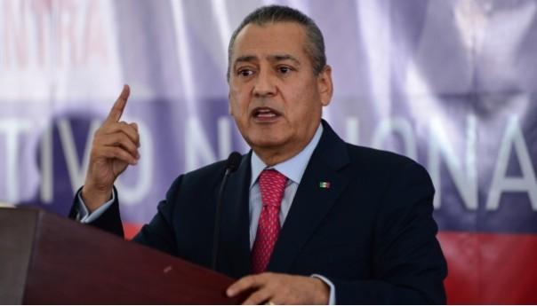 Fiscalía General en Chihuahua interpone tres ordenes de aprehensión en contra de Manlio Fabio #Beltrones