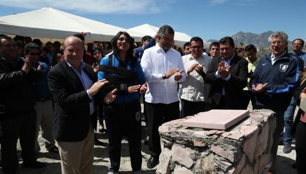 UASLP pone primera piedra del Polideportivo en Campus Matehuala