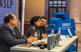 Catedrática de la UAMZH presentó libro en la FNL 2018 sobre: Las violaciones al procedimiento legislativo