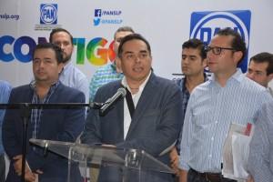 XAVIER NAVA PALACIOS INSISTE QUE ESTARÁ EN LA BOLETA ELECTORAL.