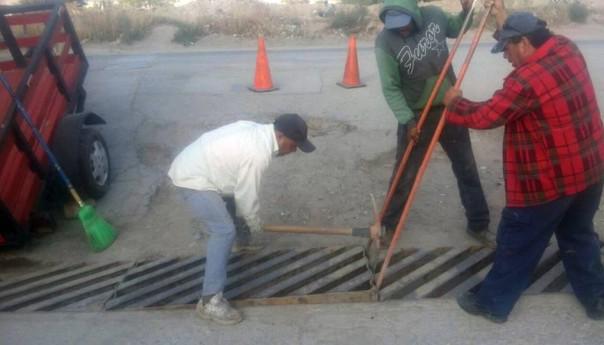 Gobierno municipal realiza limpieza en diversos puntosde la ciudadpara disminuir inundaciones