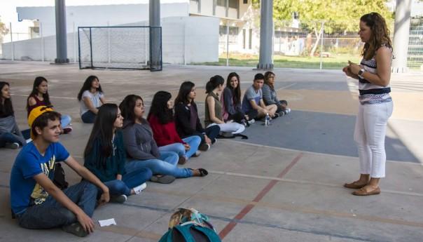 Alumnos de la Facultad de Psicología de la UASLP participan en Clase de Meditación