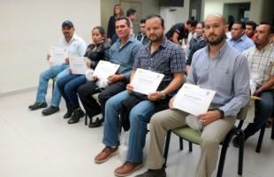 Reciben trabajadores de empresas de la zona industrial y donadores altruista, reconocimiento a su labor como donadores de sangre
