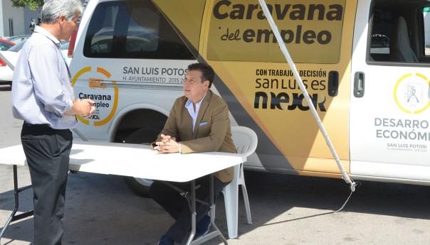 """Ayuntamiento capitalino reinició la """"caravana del empleo"""""""