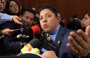Propone Ricardo Gallardo Cardona reducción del 50 por ciento real de dieta a diputados
