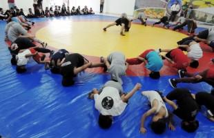 Gran interés generó la exhibición de lucha olímpica en SGS